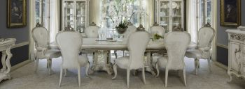 Platine De Royal Dinning Set