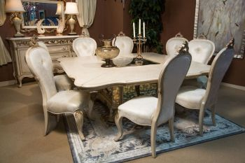 Platine De Royal Sq. Dining Room Set